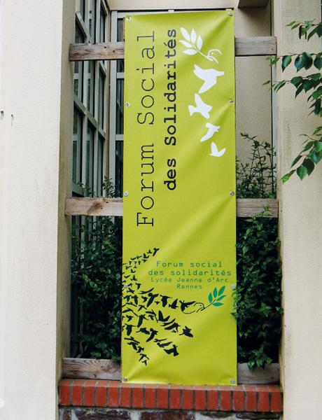 Premier forum social au lycée professionnel Jeanne-d'Arc de Rennes.