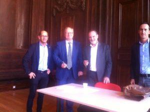 Thierry Merlier (co-tuteur ROLL), Gilles de Bailliencourt, Alain Bentolila et Jacques Bouvet lors de la signature de la convention à la DDEC de Lyon, le 28 septembre dernier