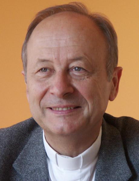 Mgr Michel Dubost, évêque d'Évry, président du Conseil pour les relations interreligieuses et les nouveaux courants religieux à la CEF.
