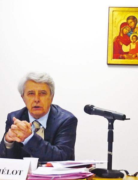 Sociologue et expert du système éducatif, Claude Thélot est conseiller maître honoraire à la Cour des comptes.