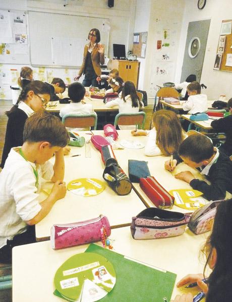 Valérie Huille anime sa classe d'une manière plus horizontale.