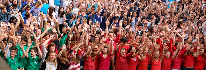 Durant la Journée de la fraternité, les élèves de La Providence se sont rassemblés pour une photo de groupe.