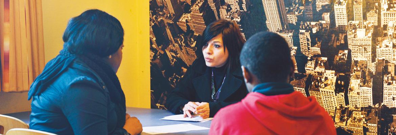 Avant tout accompagnement, un contrat tripartite est passé entre le jeune, sa famille et les éducateurs.